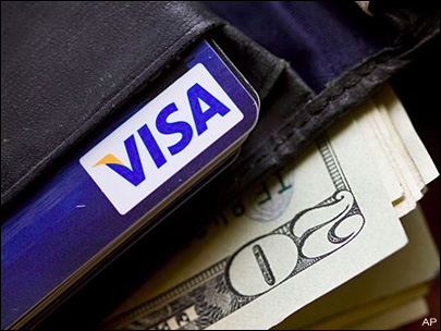 Average credit card debt, late payments fall in 1st quarter