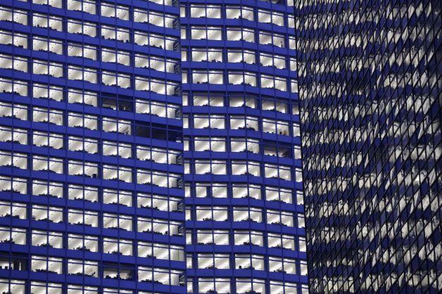 Florida bank profits off 54%, loans stay flat